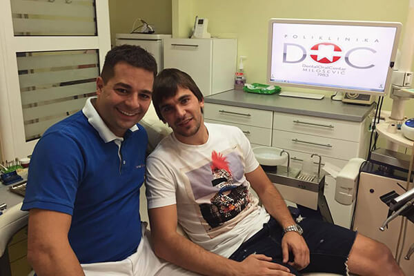 Fudbaler Filip Stojkov na pregledu u Dental Oral Centru